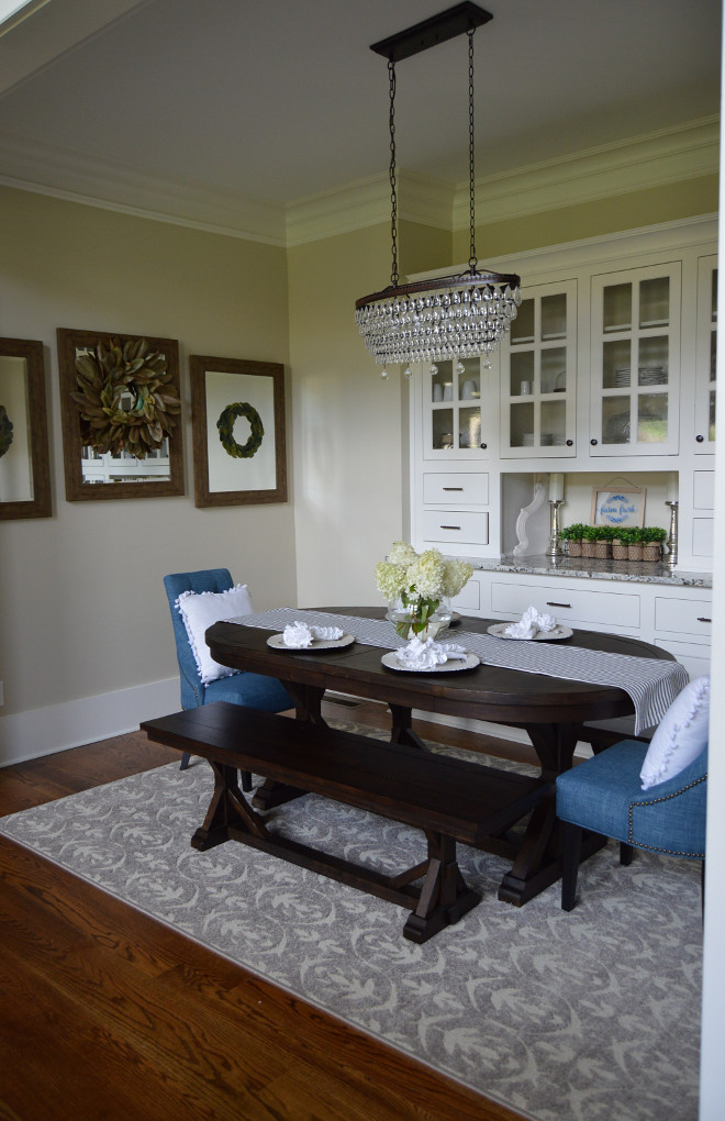 Dining room furniture. Dining room table. Dining room chairs. Dining room bench. Dining room #Diningroom Home Bunch Beautiful Homes of Instagram @mygeorgiahouse