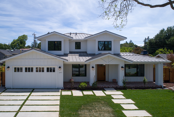 Modern Farmhouse Exterior with Metal Roof. Metal roof is standing seam metal roof. #Farmhouse #modernfarmhouse #exterior #modernfarmhouseexterior #metalroof #standingseammetalroof AK Construction