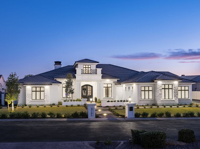 Single-story home. We wanted a single-story home with large ceilings throughout and so the heights range from 22 feet at the entry to 10 feet at the secondary bedrooms. A Finer Touch Construction