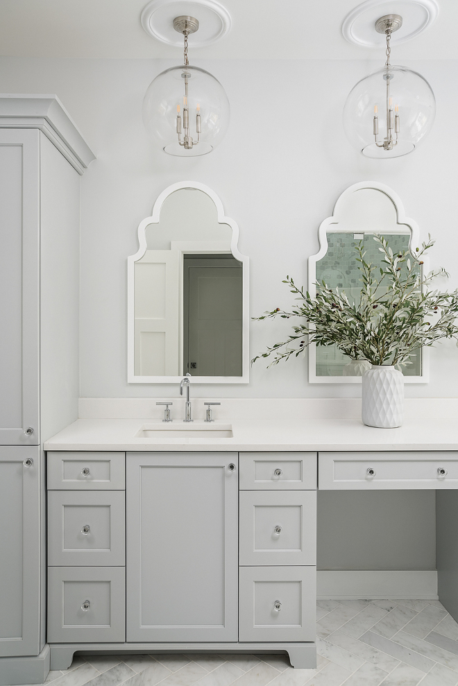 Grayscreen by Sherwin Williams Grayscreen by Sherwin Williams Grayscreen by Sherwin Williams Grey cabinet paint color Grayscreen by Sherwin Williams #GrayscreenbySherwinWilliams