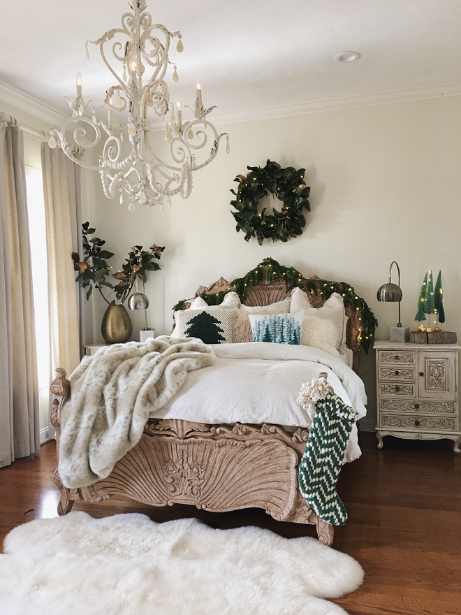 Wall color Spanish White by Benjamin Moore