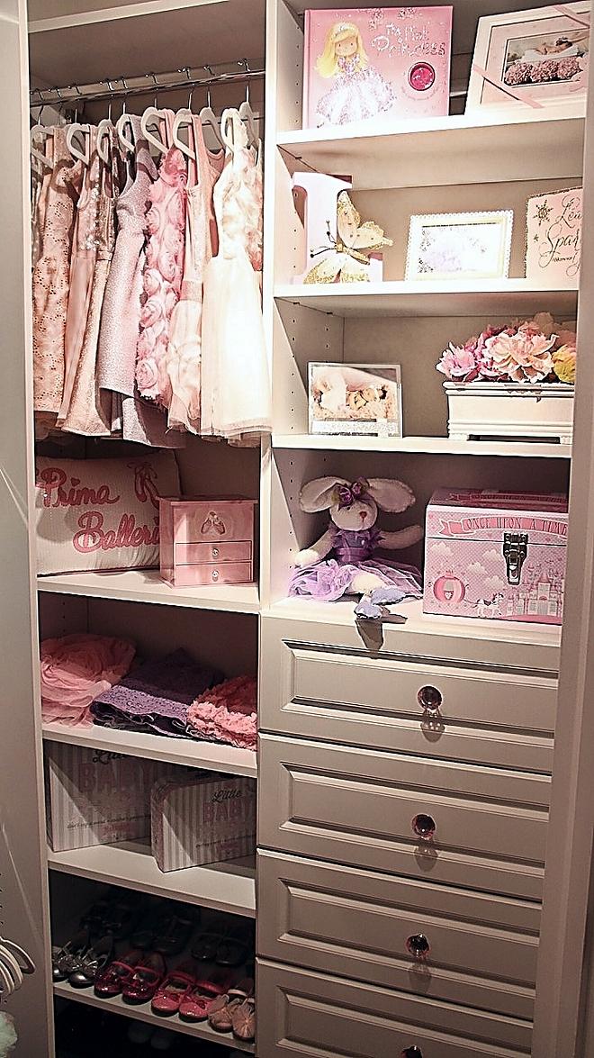 Kids Dressing Room Walk in closet cabinet layout Kids Dressing Room Walk in closet cabinet layout ideas