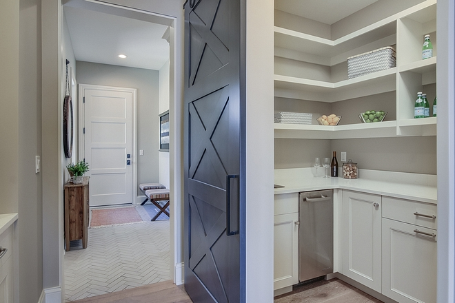 Pantry Pantry is located between mudroom and kitchen This is a smart layout and it makes it easy for groceries and cooking#pantry #layout