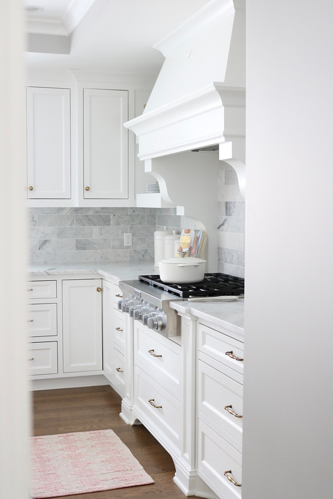 Extra White by Benjamin Moore Crisp White Kitchen Cabinet color Extra White by Benjamin Moore #ExtraWhitebyBenjamin Moore #BenjaminMooreExtraWhite