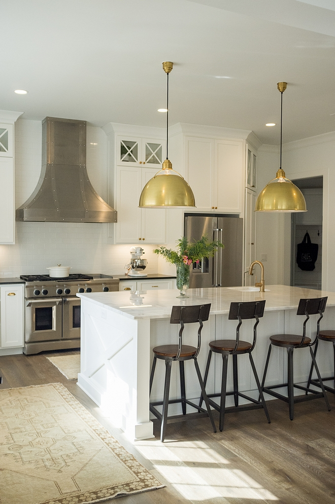 Benjamin Moore OC-65 Chantilly Lace Kitchen Cabinet wall paint color Benjamin Moore OC-65 Chantilly Lace BenjaminMooreOC65ChantillyLace