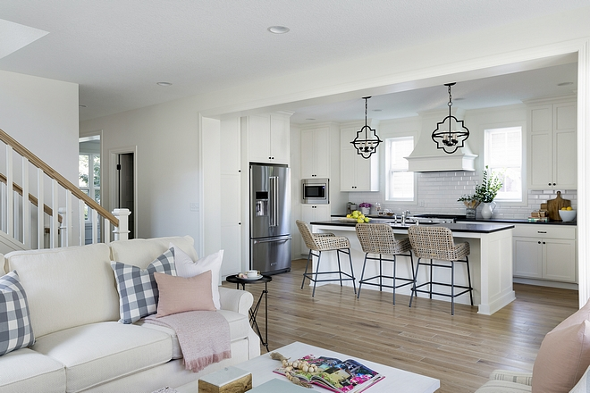 Open kitchen family room layout for small interiors