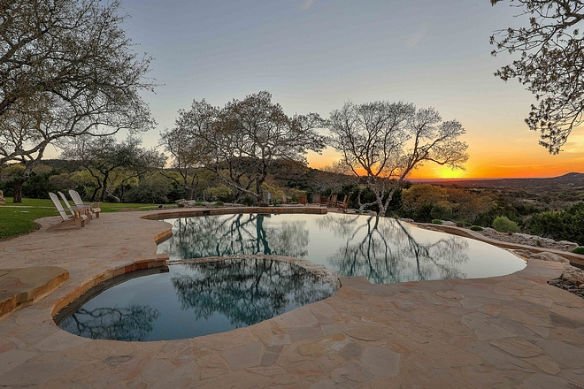 Flagstone Pool and Spa