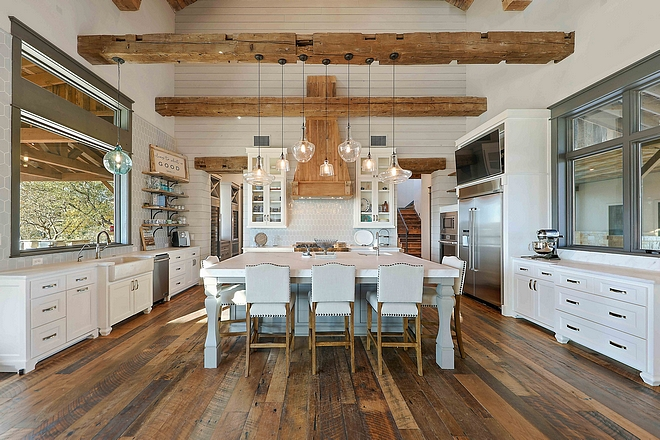 Large farmhouse kitchen with great cabinet layout