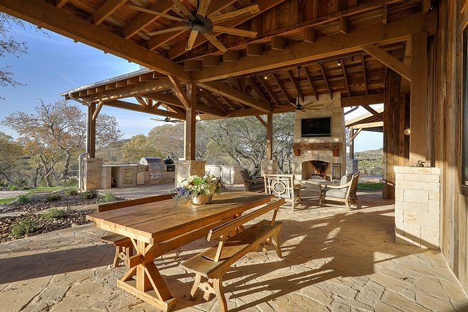 Rustic Outdoor Entertaining Area Rustic Outdoor Entertaining Area Rustic Outdoor Entertaining Area #RusticOutdoor #EntertainingArea