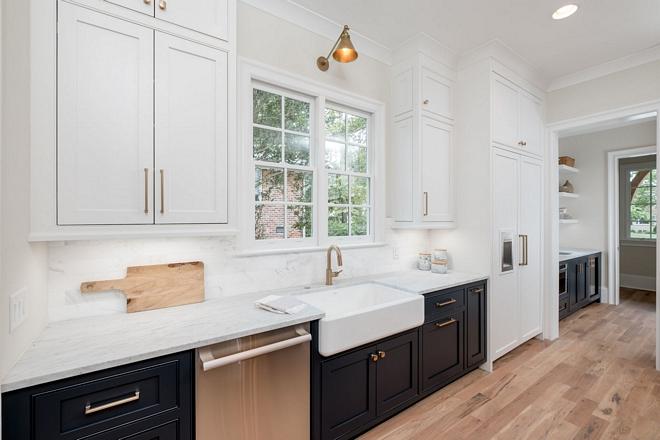 Kitchen Sink is a Kohler Farmhouse Apron Front sink in white Two toned kitchen with farmhouse sink and two toned pantry #kitchen #farmhousesink #twotonedkitchen