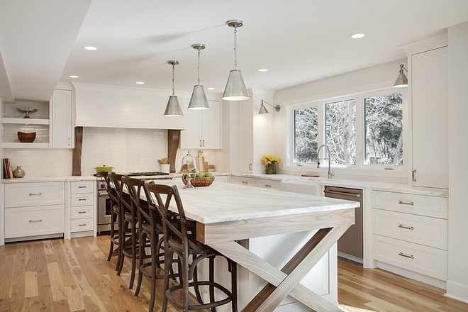 Goodman Antique Nickel Pendant By Thomas O'Brien for Visual Comfort Kitchen island with three pendant lighting Goodman Antique Nickel Pendant By Thomas O'Brien for Visual Comfort #kitchenisland #threependantlight #lighting #kitchenpendants #Goodman Pendant #AntiqueNickel #VisualComfort #lighting #kitchenlighting