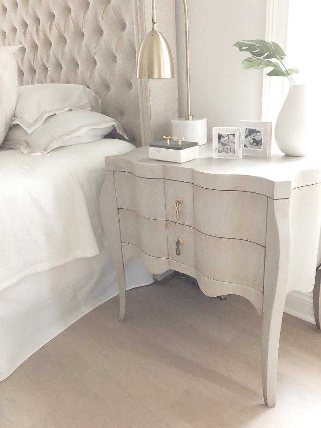 Bedroom Nightstand Traditional Nighstand Feminine Bedroom Nightstand #Bedroom #Nightstand #FeminineBedroom