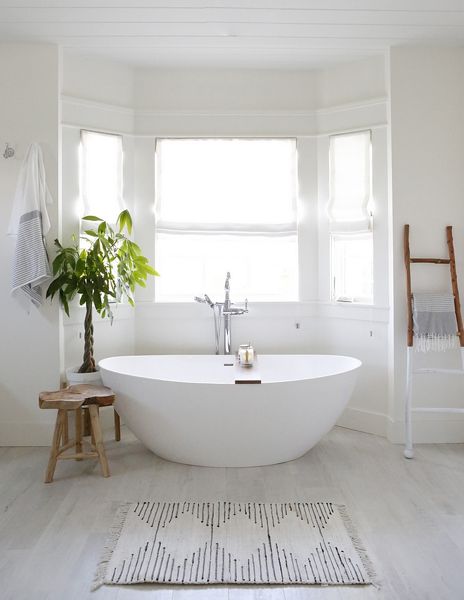 Bathroom Bay Windows In the bathroom, we put a bay window for the freestanding bathtub Bathroom Bay Windows Bathroom Bay Windows #Bathroom #BayWindows