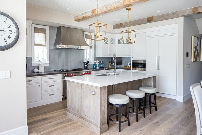 Dunn Edwards Fine Grain kitchen paint color with natural white oak hardwood floors and beamed ceiling Dunn Edwards DE6213 Fine Grain #DunnEdwardsFineGrain