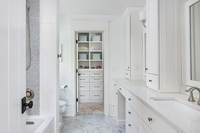 White Dove by Benjamin Moore OC-17 Bathroom cabinet White Dove by Benjamin Moore OC-17 White Dove by Benjamin Moore OC-17 #WhiteDoveBenjaminMoore #OC17 #bathroom #cabinet