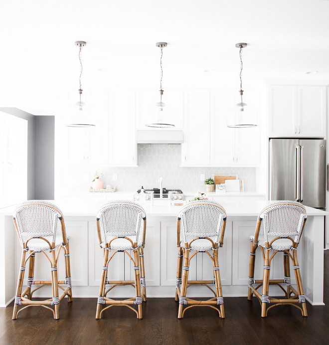 Benjamin Moore Decorators White OC-149 Benjamin Moore Decorators White OC-149 paint color Benjamin Moore Decorators White OC-149 #BenjaminMooreDecoratorsWhite #OC149