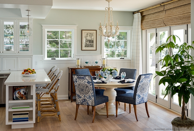 Coastal Dining Room and Kitchen Cottage Dining Room and Kitchen Small beach house interiors #coastalhome #coastalinteriors #beachhouse #kitchen #diningarea