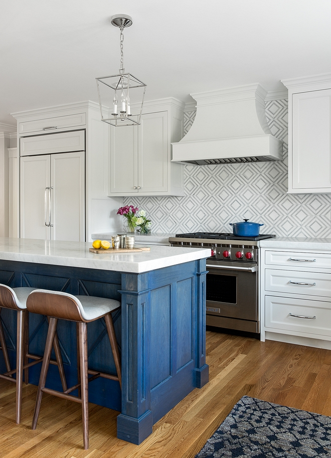 Blue kitchen island The blue kitchen island was a custom color wash that the designer created Navy Blue kitchen island #Bluekitchenisland #kitchenisland #navykitchenisland