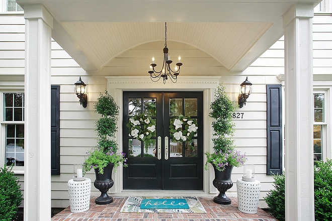 Exterior color palette Front door paint color Sherwin Williams Tricorn Black House Color Sherwin Williams Fencepost White House Trim is Sherwin Williams Coconut Grove #Exteriorcolorpalette #colorpalette