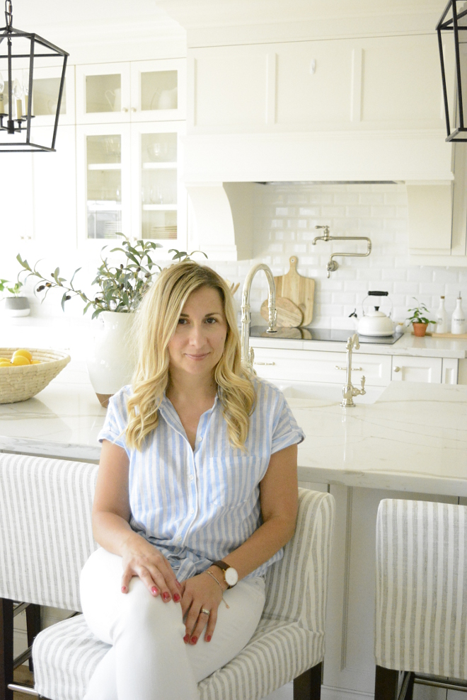 Beautiful Homes of Instagram This is Agata, from @tassoninteriors, in her beautiful kitchen I am so thankful for all of the time she put into this feature Home Bunch Beautiful Homes of Instagram #BeautifulHomesofInstagram