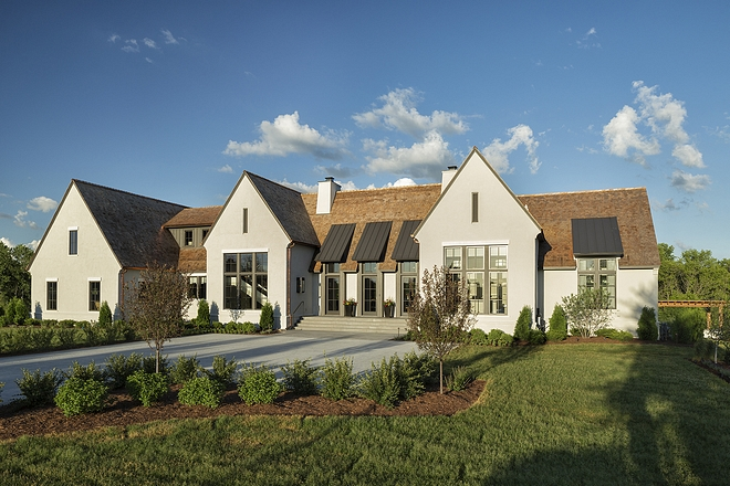 Beautiful Homes This home is a flawless modern interpretation of English Tudor architecture and it's situated at the end of a cul-de-sac in a quiet neighborhood in Minnesota #BeautifulHomes