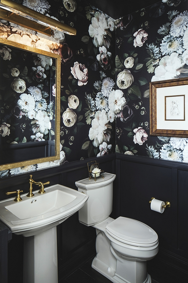 Powder Room Although quite dramatic, this powder room feels timeless and current The paint color for the wainscot and ceiling is Dunn Edwards, Dark Engine, DE6350 #PowderRoom #wainscot