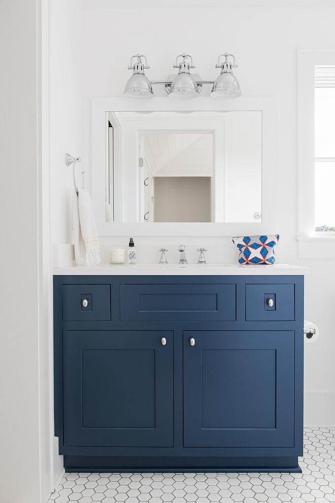 Benjamin Moore Hudson Bay Benjamin Moore Hudson Bay Cabinet Bathroom Cabinet Navy Blue Paint Color Benjamin Moore Hudson Bay #BenjaminMooreHudsonBay #BenjaminMoore