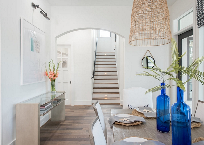 Dining Room Archway An archway adds distinction to this dining room #diningroom #archway