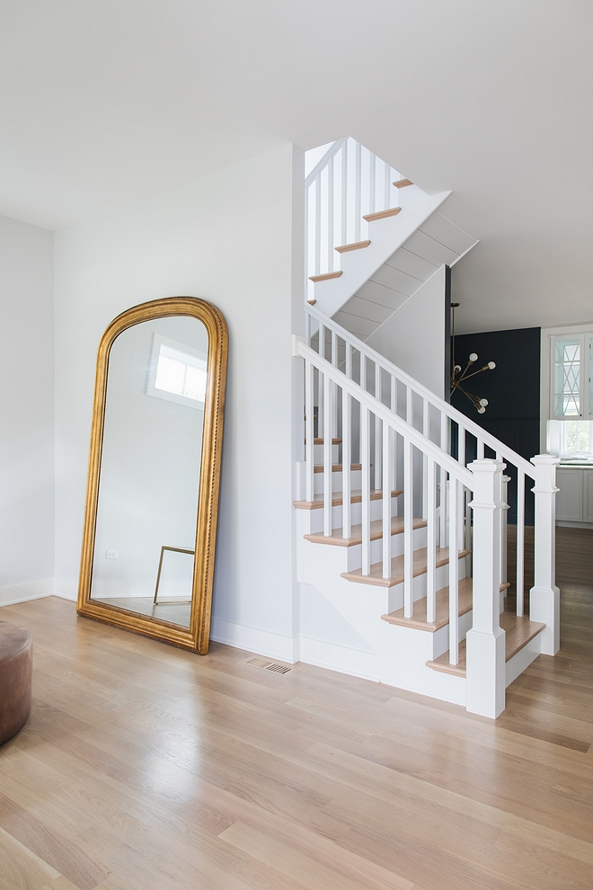 Sherwin Williams Extra White SW 7006 Trim Paint Color Sherwin Williams Extra White SW 7006 a fantastic crisp white that works great on cabinetry as well #SherwinWilliamsExtraWhiteSW7006 #SherwinWilliamsExtraWhite #SW7006 #SherwinWilliamsSW7006
