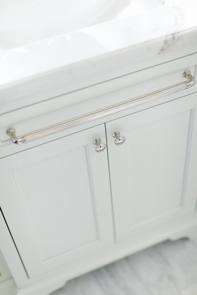 Appliance pull used on bathroom cabinet as towel holder Bathroom design ideas Appliance pull used on bathroom cabinet as towel holder #bathroom #bathroomdesign #bathroomideas #Appliancepull #bathroomcabinet #towelholder