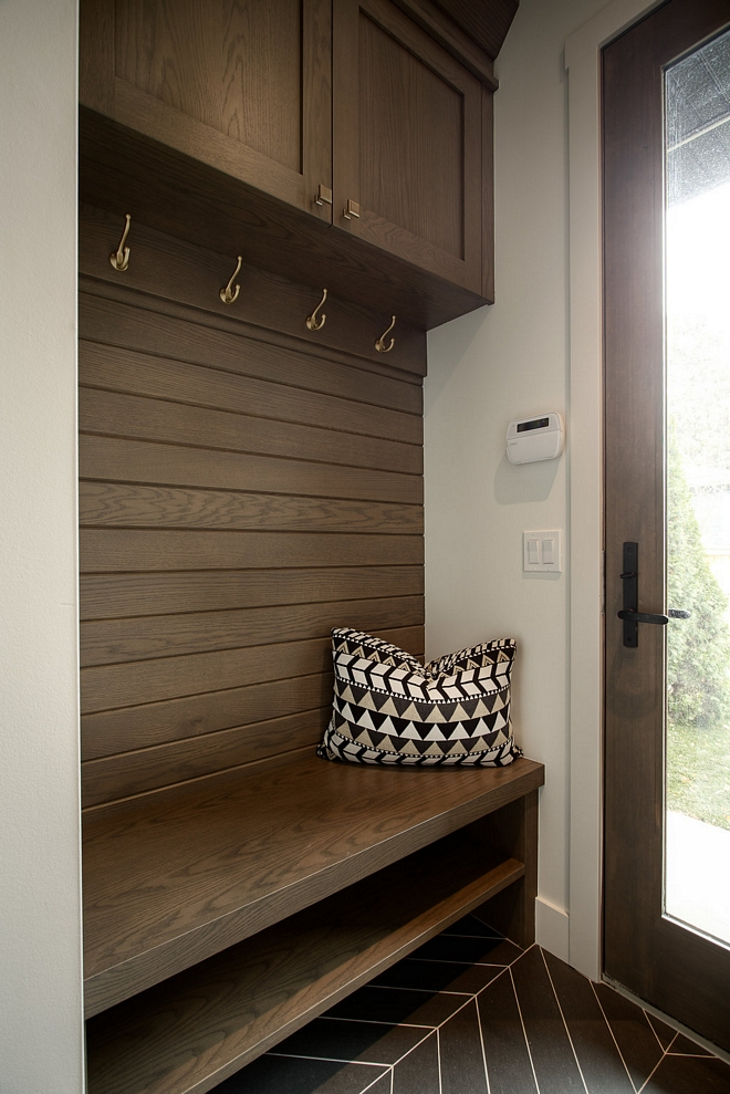 Mudroom White Oak Cabinet The mudroom features custom cabinetry in White Oak White Oak Mudroom Cabinet #WhiteOak #mudroom #cabinet