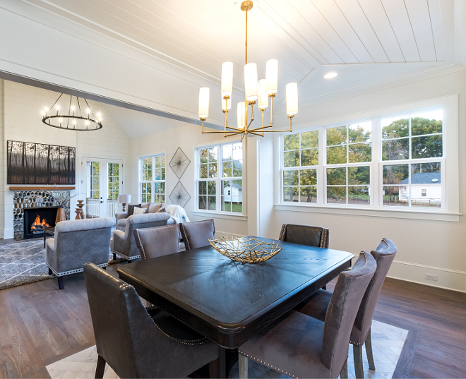 Benjamin Moore Dove Wing The paint color throughout this main living space is Benjamin Moore Dove Wing Benjamin Moore Dove Wing paint color soft white warm white paint color #BenjaminMooreDoveWing #paintcolor #softwhite #warmwhite #paintcolor