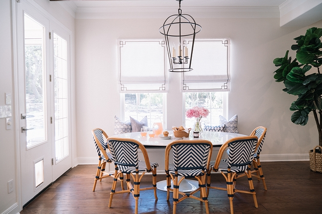 Benjamin Moore OC-65 Chantilly Lace Trim Paint Color Benjamin Moore OC-65 Chantilly Lace in Semi-gloss oil latex Benjamin Moore OC-65 Chantilly Lace #BenjaminMooreOC65ChantillyLace
