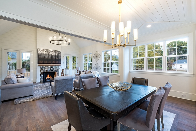Dining Room Layout This dining room is between the kitchen and living room, but maintains its own presence thanks to the cased openings #DiningRoomLayout #DiningRoom