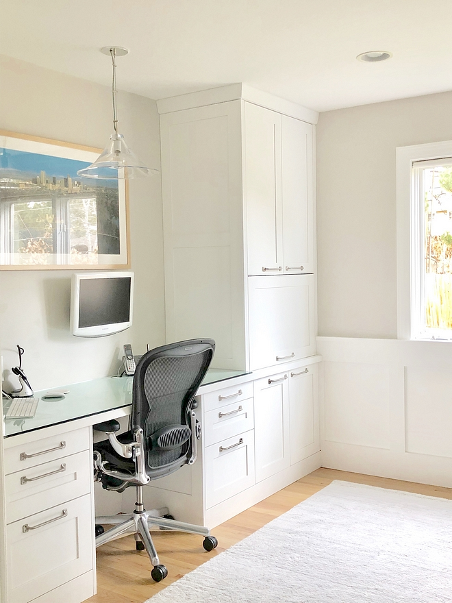 Benjamin Moore Decorators White The same painted white shaker cabinets in the kitchen were used to rebuild my husband's office built-ins and a desk Benjamin Moore Decorators White #BenjaminMooreDecoratorsWhite