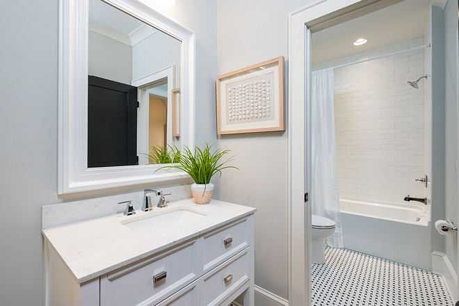 Benjamin Moore Moonshine Great color for bathrooms Benjamin Moore Moonshine Benjamin Moore Moonshine #BenjaminMooreMoonshine