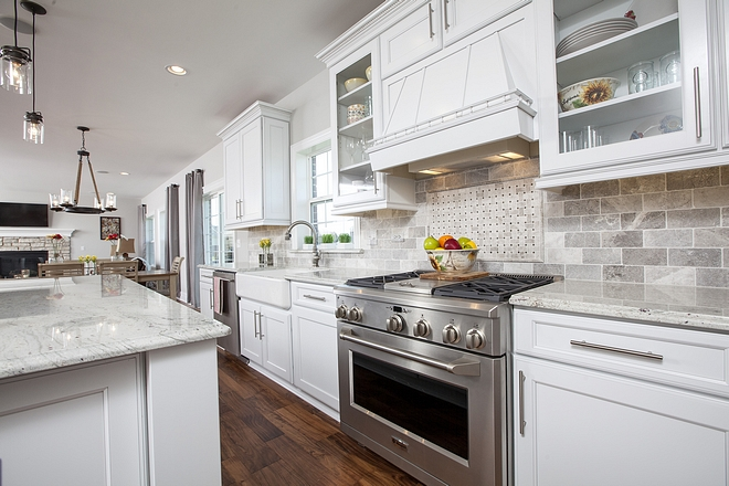 White kitchen with white Granite countertop Traditional White kitchen with white Granite countertop #Whitekitchen #whiteGranitecountertop #whiteGranite
