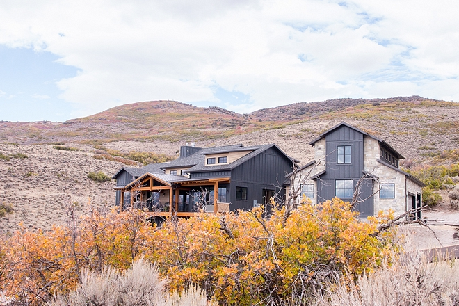 Mountain Farmhouse My husband and I began building this home in the foothills of the Wasatch Mountains in Utah Mountain Farmhouse Ideas Mountain Farmhouse Architecture #MountainFarmhouse #Farmhouse