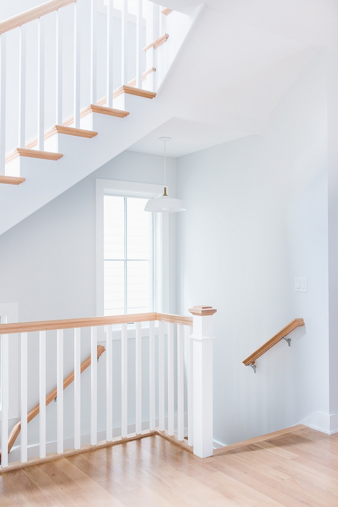 Best white Trim paint color is Extra White SW 7006 by Sherwin Williams Extra White SW 7006 by Sherwin Williams #trimpaintcolor #ExtraWhite #SW7006 #SherwinWilliams