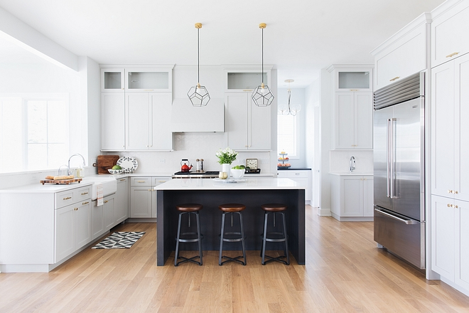 Kitchen peninsula Kitchen layout with peninsula This kitchen was really well-designed. Adding a peninsula between the kitchen and dining area adds more storage and counter space #kitchenpeninsula #kitchen #kitchenlayout