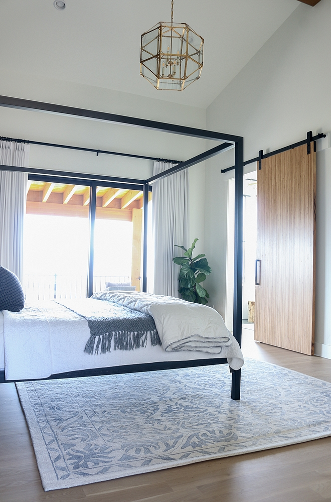 Modern farmhouse bedroom with barn door Modern farmhouse bedroom with barn door Modern farmhouse bedroom with barn door Modern farmhouse bedroom with barn door #Modernfarmhousebedroom #barndoor #Modernfarmhouse #bedroombarndoor