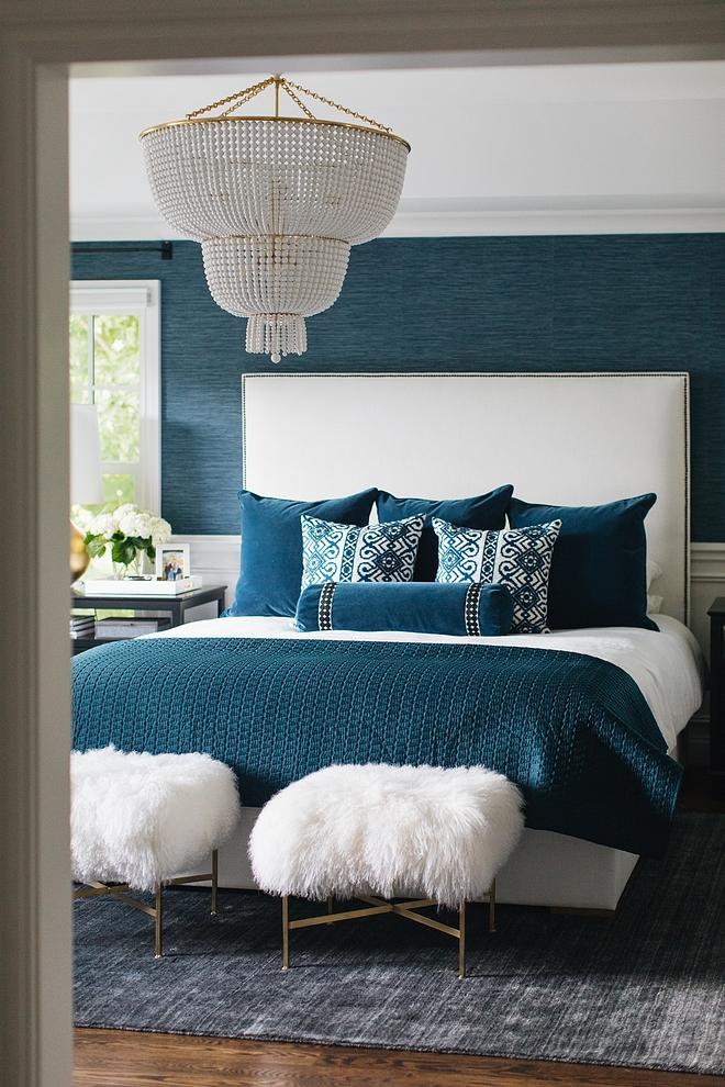 Master Bedroom This master bedroom is one of my favorites ever shared on Home Bunch. I love the color scheme and the timeless appeal of this space #masterbedroom #bedroomcolorscheme #colorpalette #bedroom