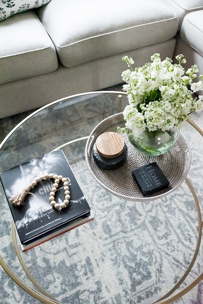 Coffee Table Decor I like how the designer decorated the coffee table without over cluttering it Simple is always best #coffeetable #decor