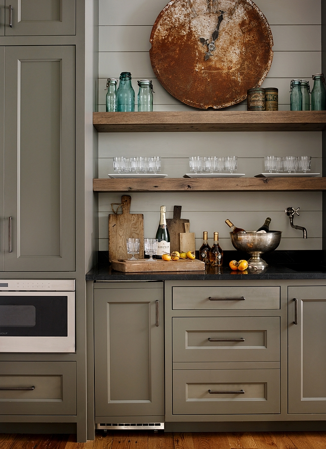 Durango 33-24 Pratt and Lambert Kitchen cabinet Grey kitchen cabinet Durango 33-24 Pratt and Lambert #greycabinet #kitchencabinet #paintcolor #DurangoPrattandLambert