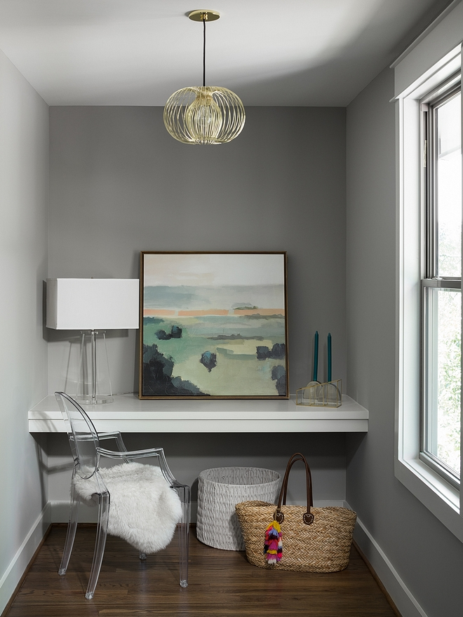 Floating Desk The floating desk is custom with trim painted in Benjamin Moore OC-17 White Dove - semi-gloss Floating Desk #FloatingDesk