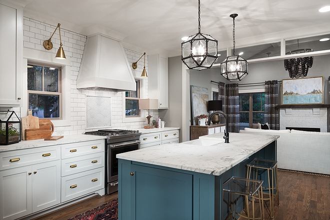 White kitchen with blue island Classic kicthen color scheme White kitchen with blue island White kitchen with blue island White kitchen with blue island #Whitekitchen #blueisland