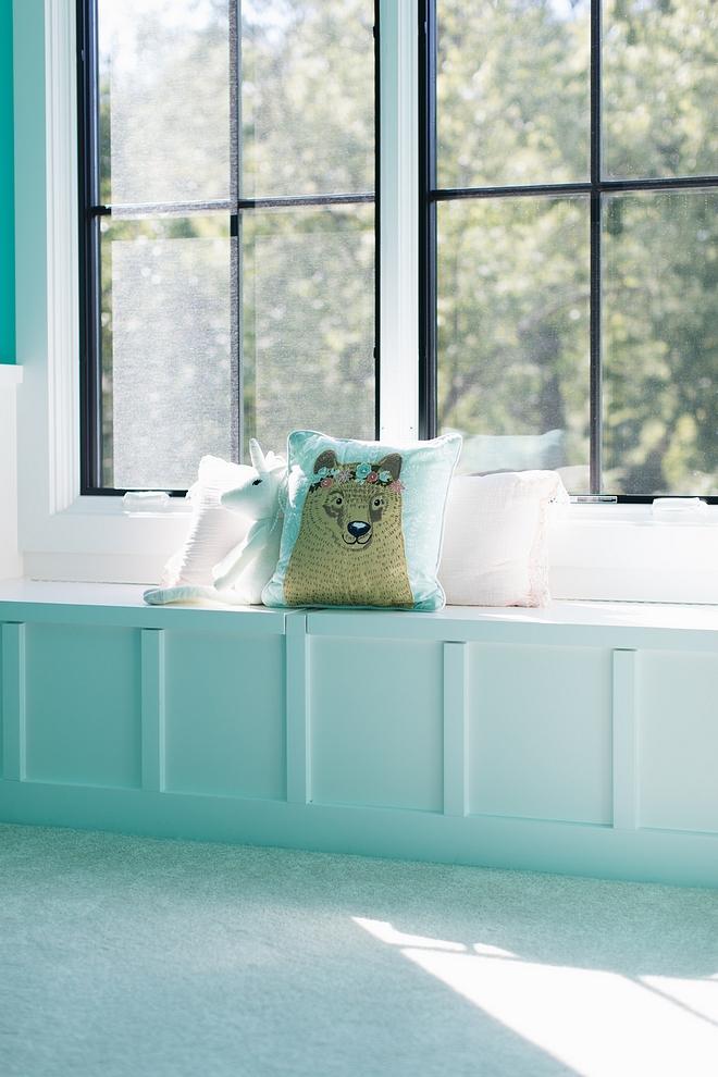Window-seat features a board-and-batten Window-seat features a board-and-batten #Boardandbatten #Windowseat