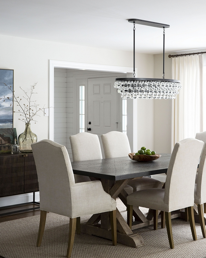 Comfortable dining room Having comfortable chairs is a must in any dining area Keep this in mind, no one can enjoy a long and pleasant meal sitting on unpleasant chairs #Comfortablediningroom #diningroom