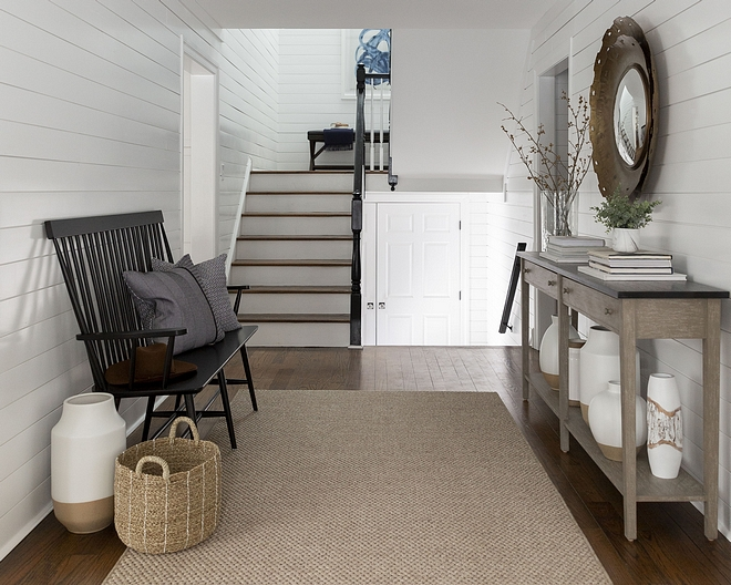 Benjamin Moore White Dove Shiplap Walls Trim Ceiling paint Color Choosing the best white paint color for the entire home Benjamin Moore White Dove Shiplap Walls Trim Ceiling paint Color #bestwhitepaintcolor #BenjaminMooreWhiteDove #whiteShiplap #whiteWalls #whiteTrim #whiteCeiling #whitepaintColor
