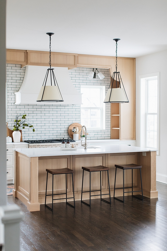 Kitchen Quarter Sawn Oak Trend The kitchen island and apron bookcase are Quarter Sawn Oak The biggest kitchen cabinet trend now is using Quarter Sawn Oak mixed with white cabinetry #Kitchen #QuarterSawnOak #kitchenTrend #cabinettrend